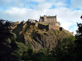 Edinburgh - Castle (Freeimages.com/Neil Feltham)